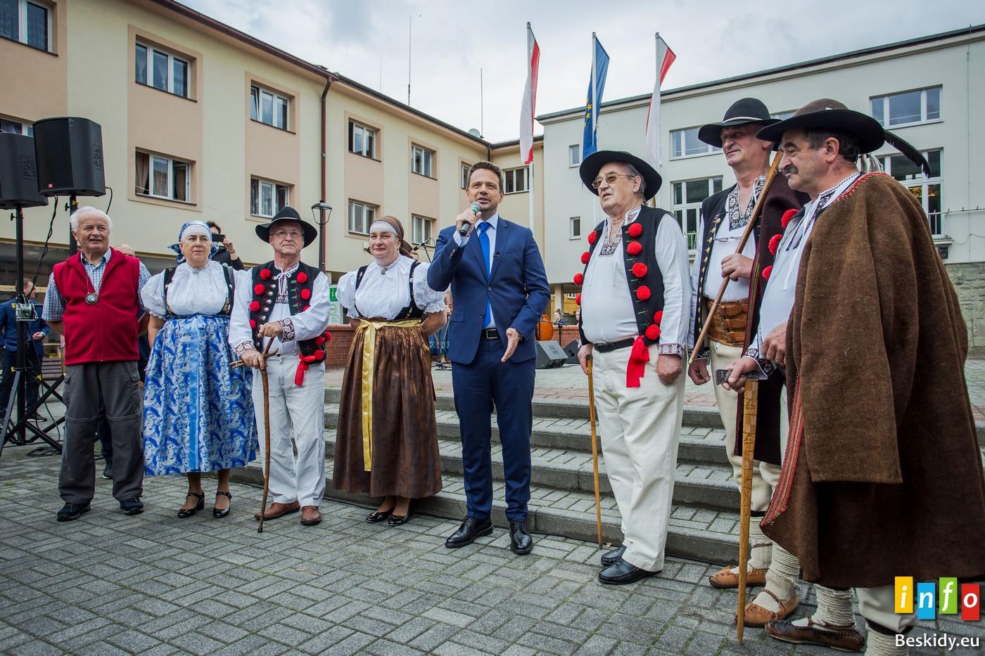 Rafał Trzaskowski u górali