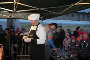Wielkie gotowanie na rynku